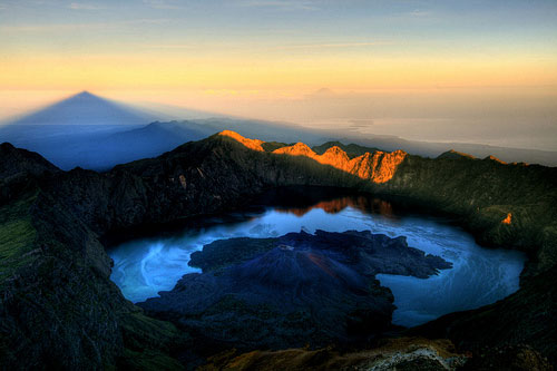 Paket Trekking ke Puncak Gunung Rinjani Lombok